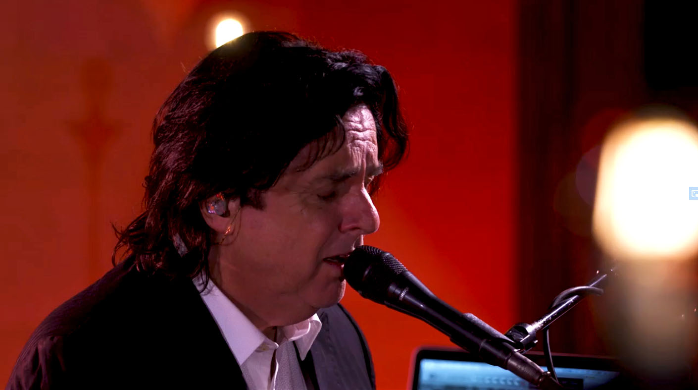 Steve Hogarth to release h Natural show